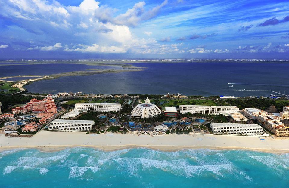 Oasis Cancun Resort