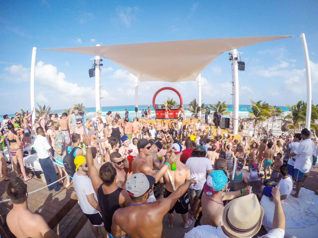 Spring Break Oasis Cancun Sale