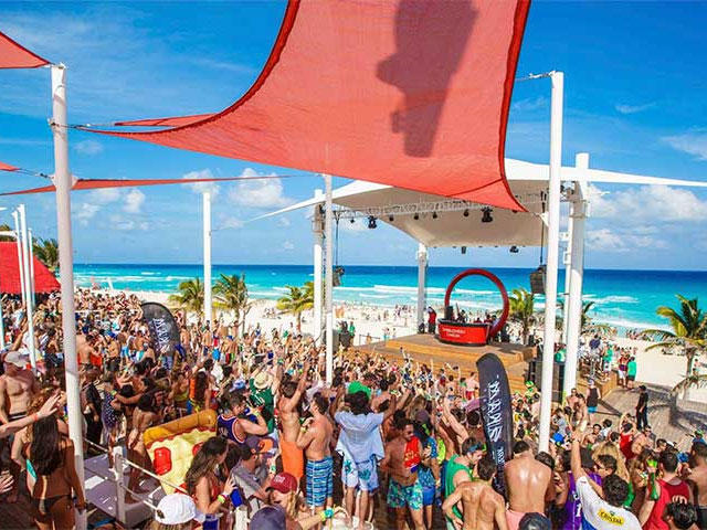 Brown University Spring Break Packages to Cancun Mexico
