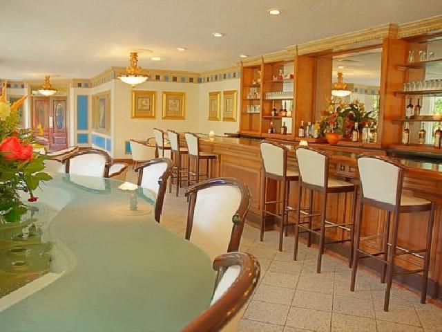 Breezes Bahamas - Piano Bar