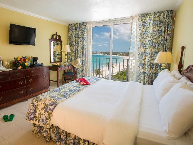 Deluxe Oceanview - Breezes Bahamas