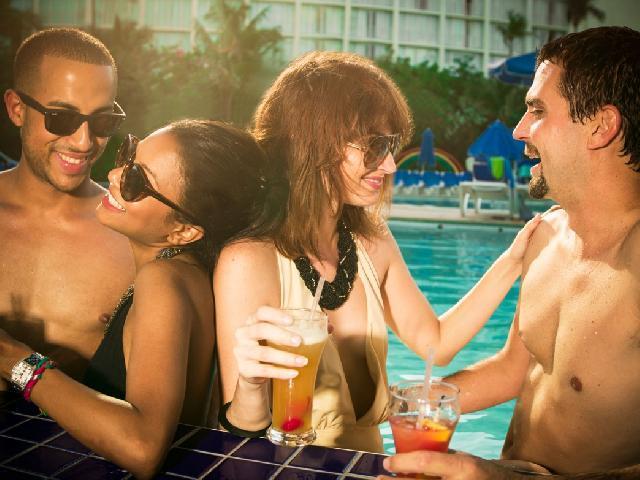 Breezes Bahamas - Pool Bar