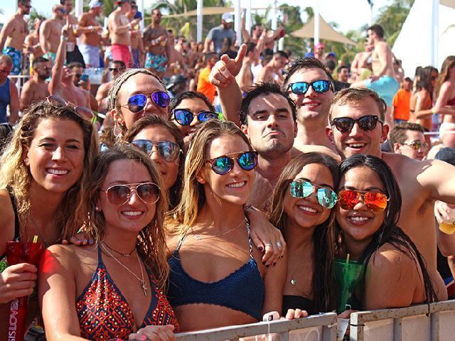 Oasis Cancun Lite -