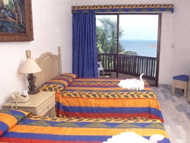 Studion with Ocean or Lagoon View - Hotel Imperial Las Perlas