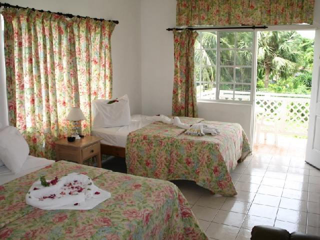 Fun Holiday Beach Resort - Negril Jamaica