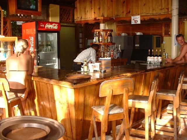Merrils III - Beachside Bar