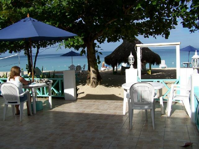 Coral Seas Beach - Restaurant