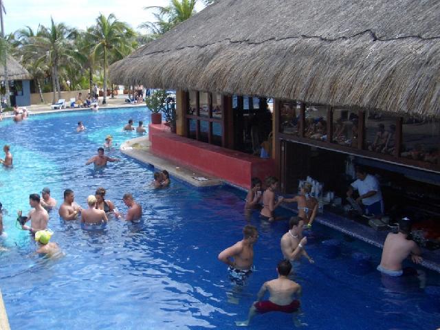 Oasis Cancun Lite - Wet Bar Sarape