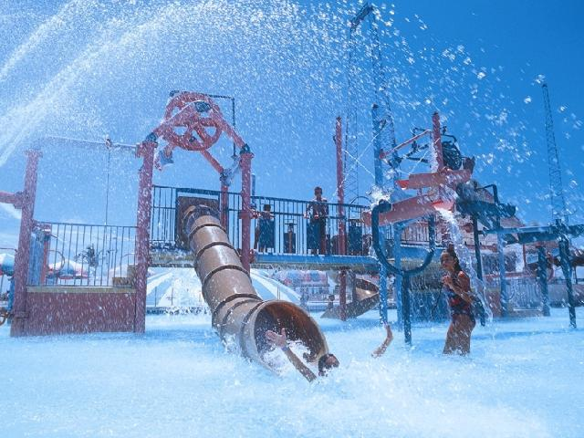 Wet'n Wild Waterpark - Cancun, Mexico